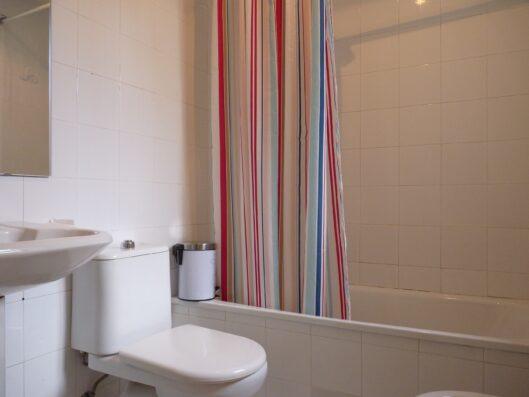Casa Soto Alto: service bathroom