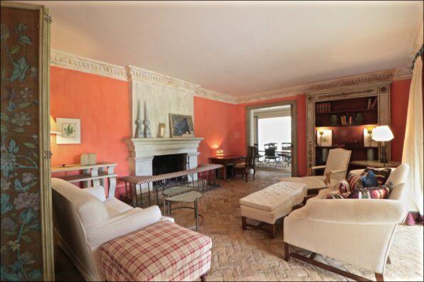 Casa Soto Alto: living room towards dining room