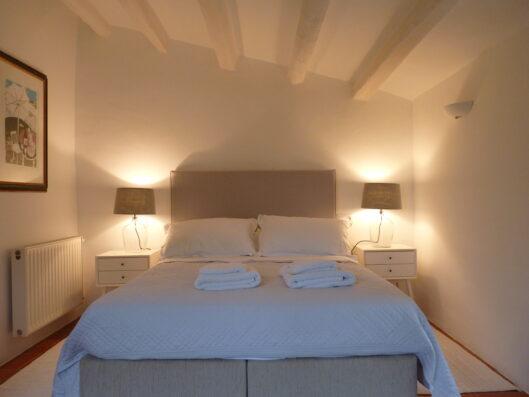 Mas Blau: bedroom 4