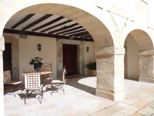 Casa Setien: porche de entrada