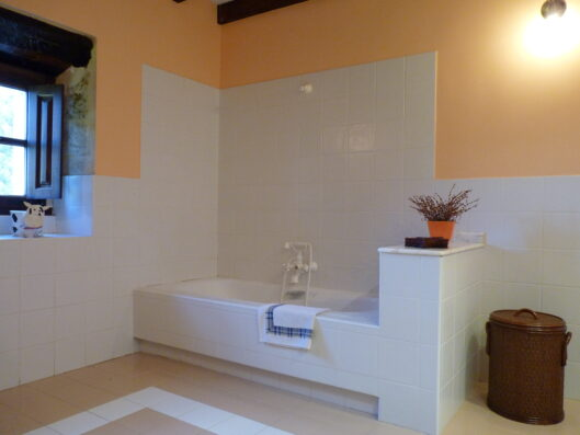 Casa Setien: bathroom 2 first floor