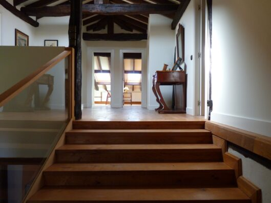 Casa Setien: staircase to second floor