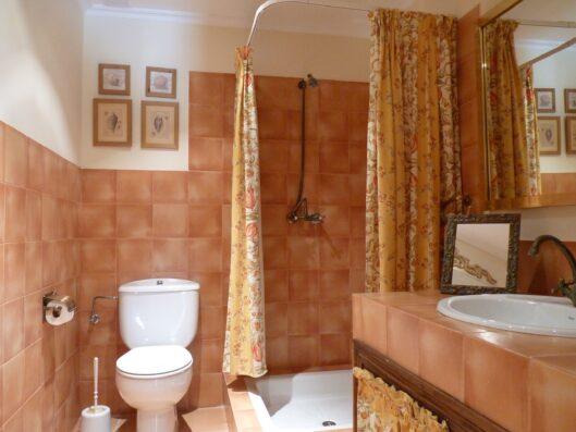Casa Setien: baño completo planta baja