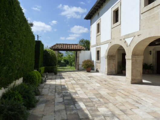 Casa Setien: large holiday villa near Santander